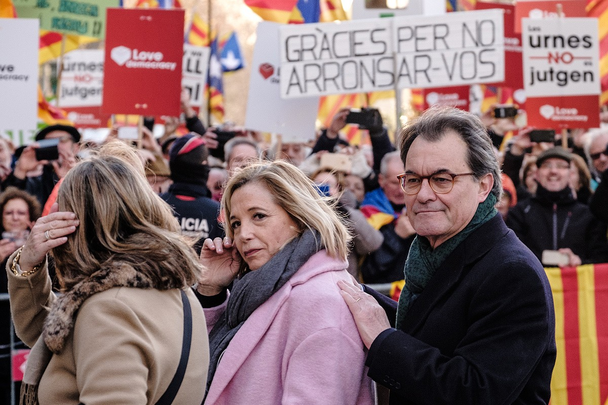 Irene Rigau, Joana Ortega i Artur Mas, entrant al TSJC
