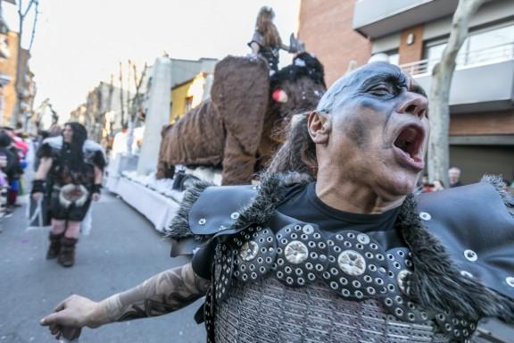 FOTOS La Rua de Carnestoltes omple de color i disbauxa els carrers de Sabadell