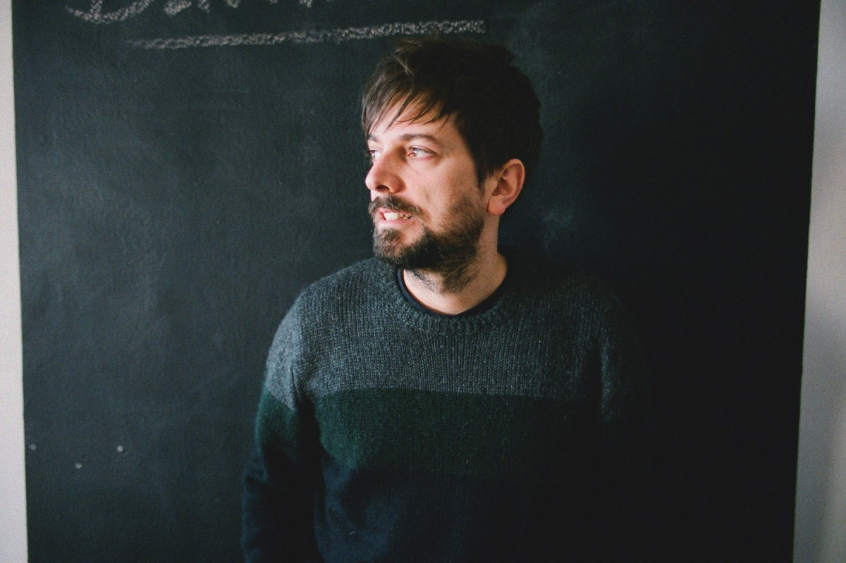 Pau Vallvé és autor de la cançó «L'àvia ha fet nevar»