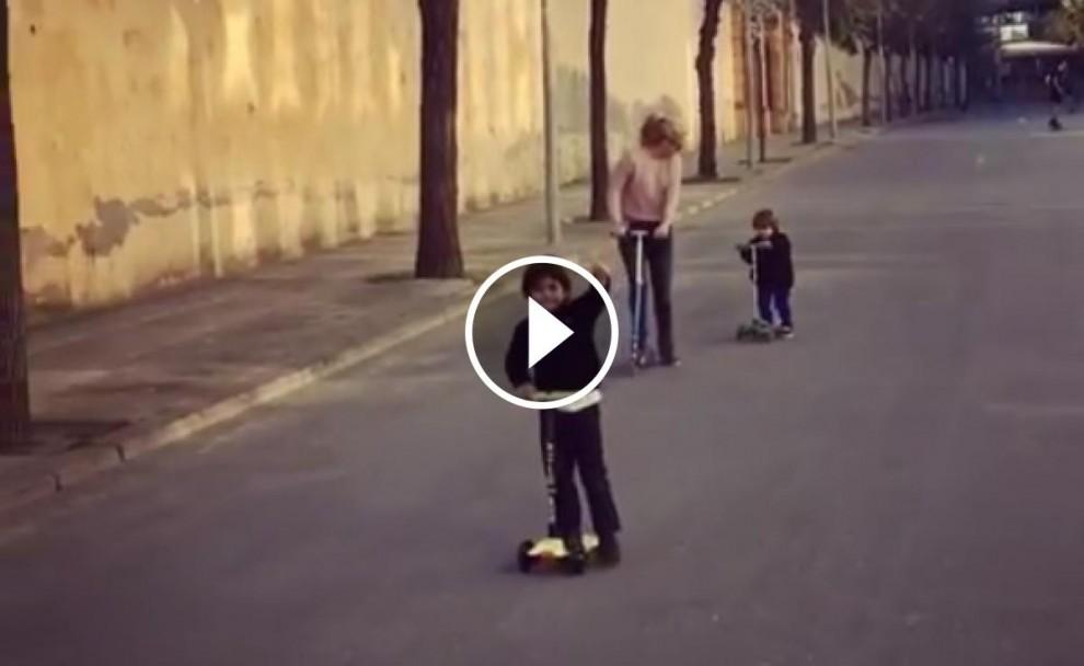 La família de Piqué, en patinet.