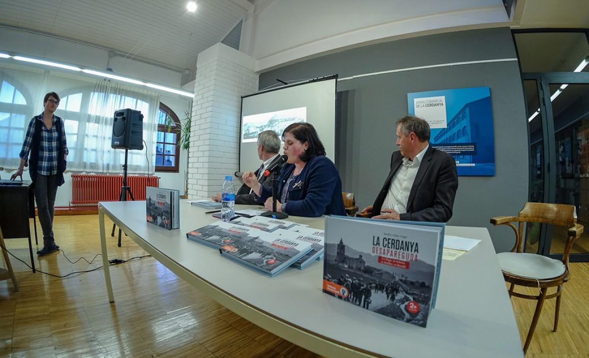 Presentació del llibre de Sandra Adam (centre), aquest dimecres