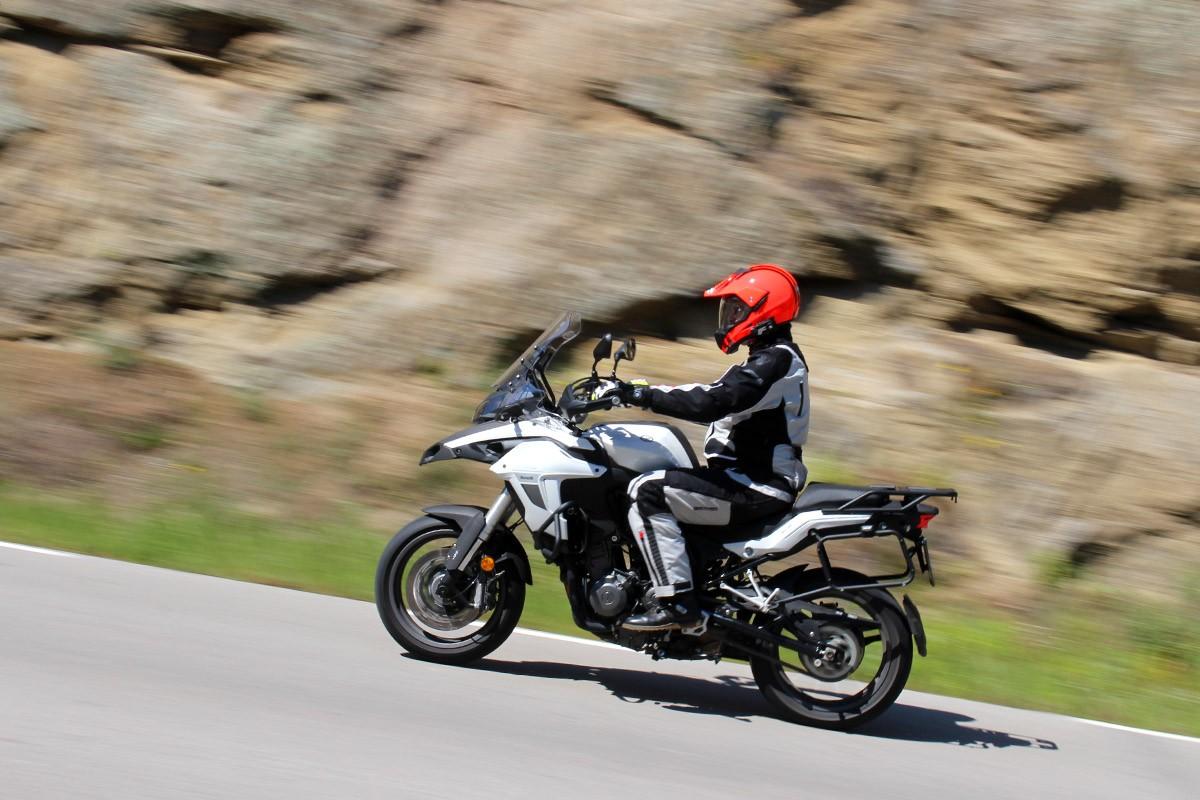 La Benelli TRK 502 promet aventures ben lluny de casa