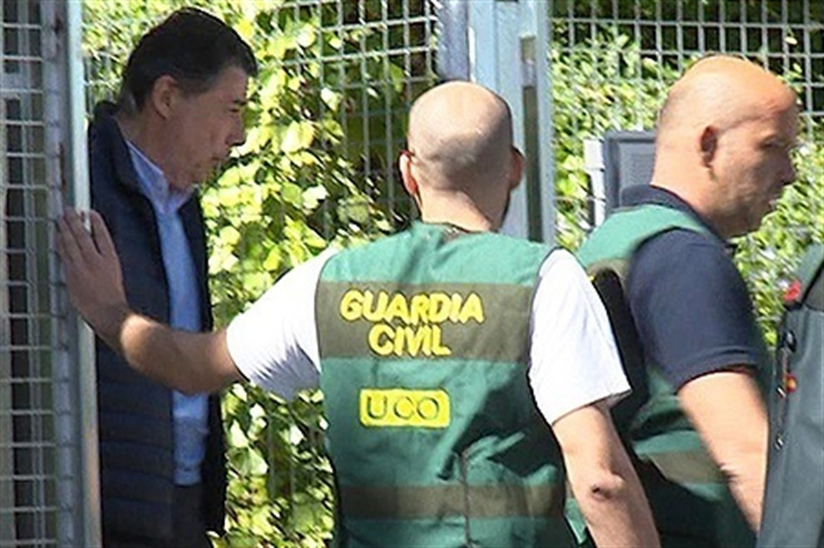 Ignacio González, en el moment de ser detingut