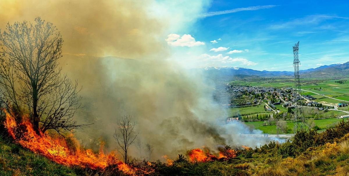 Imatge de l'incendi d'aquesta tarda a la Cerdanya