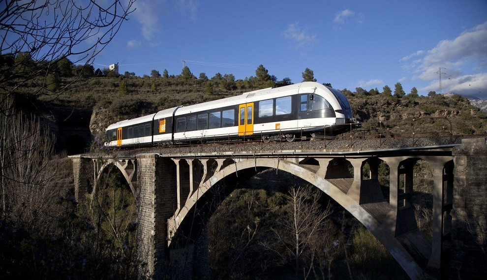 El tren de la Pobla, al seu pas pel Pallars Jussà