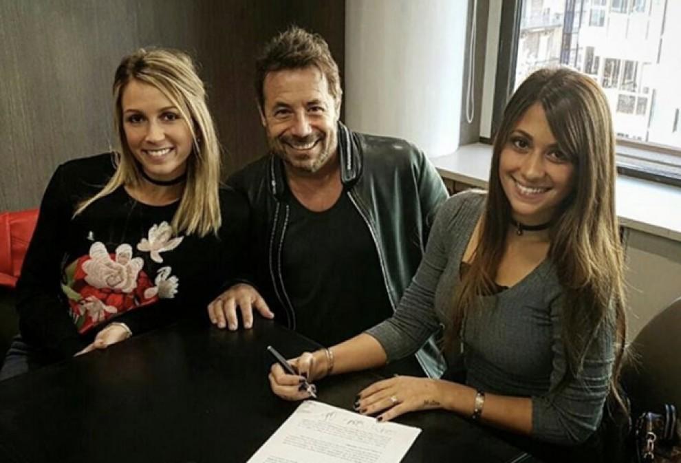 Antonella Roccuzzo i Sofía Balbi en el moment de constituir oficialment la societat