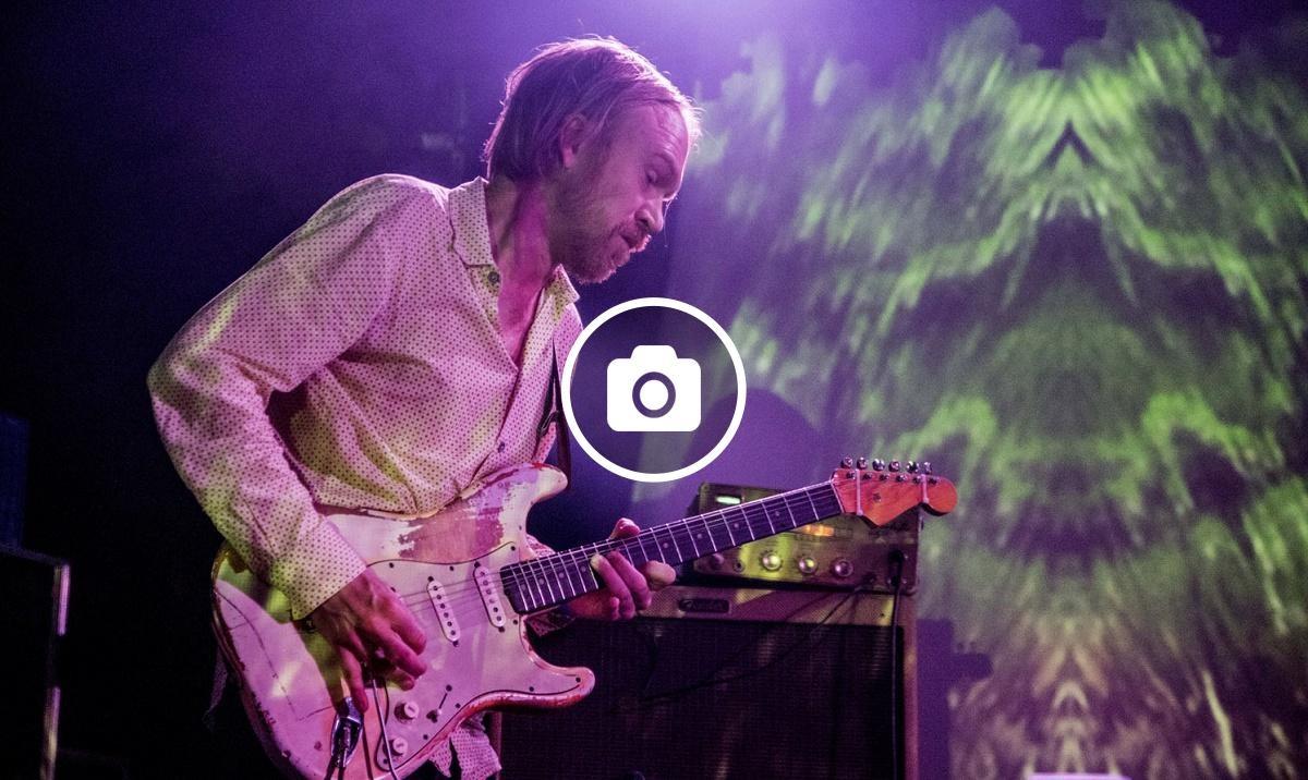 Els suecs Dungen en concert