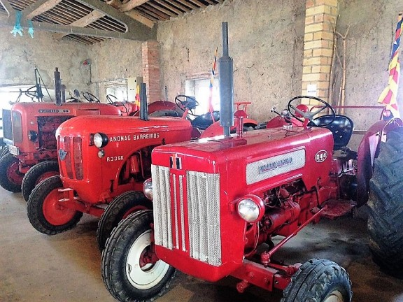 El tractor antic recupera protagonisme a la Fira de Sant Isidre de Solsona