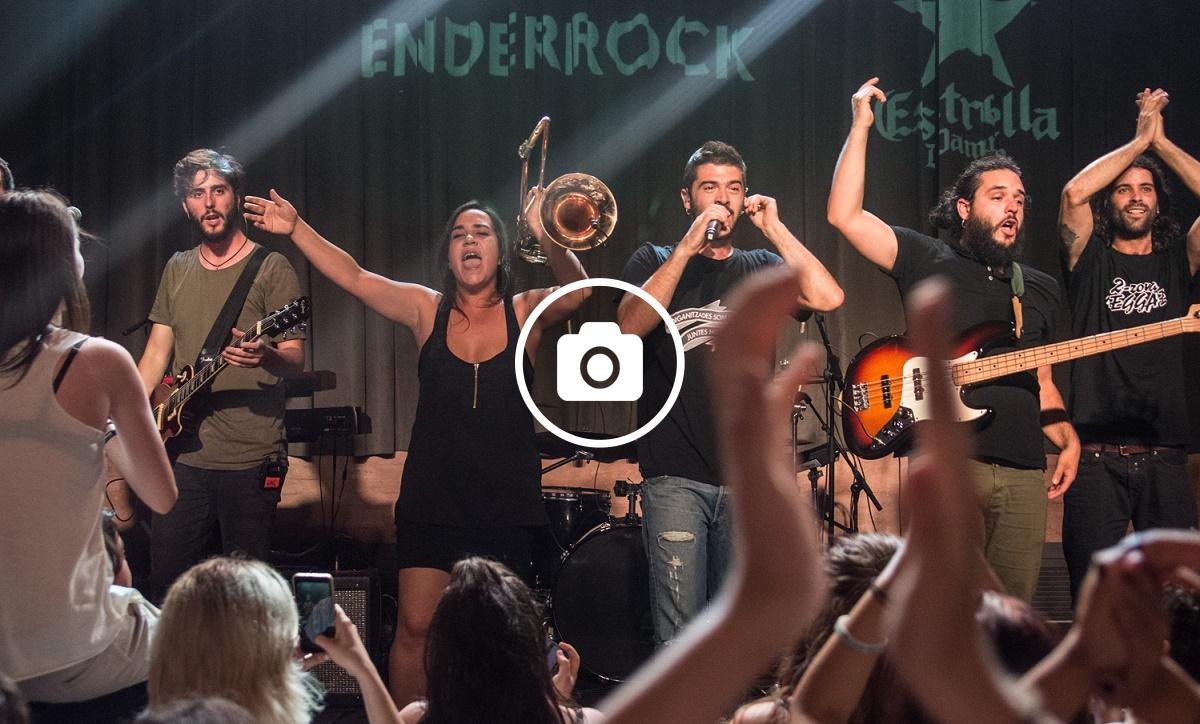 Itaca Band durant el seu concert a l'Enderrock Sona