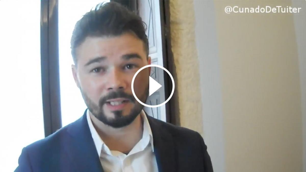 Gabriel Rufián durant l'entrevista amb el «Cuñado de Twitter»