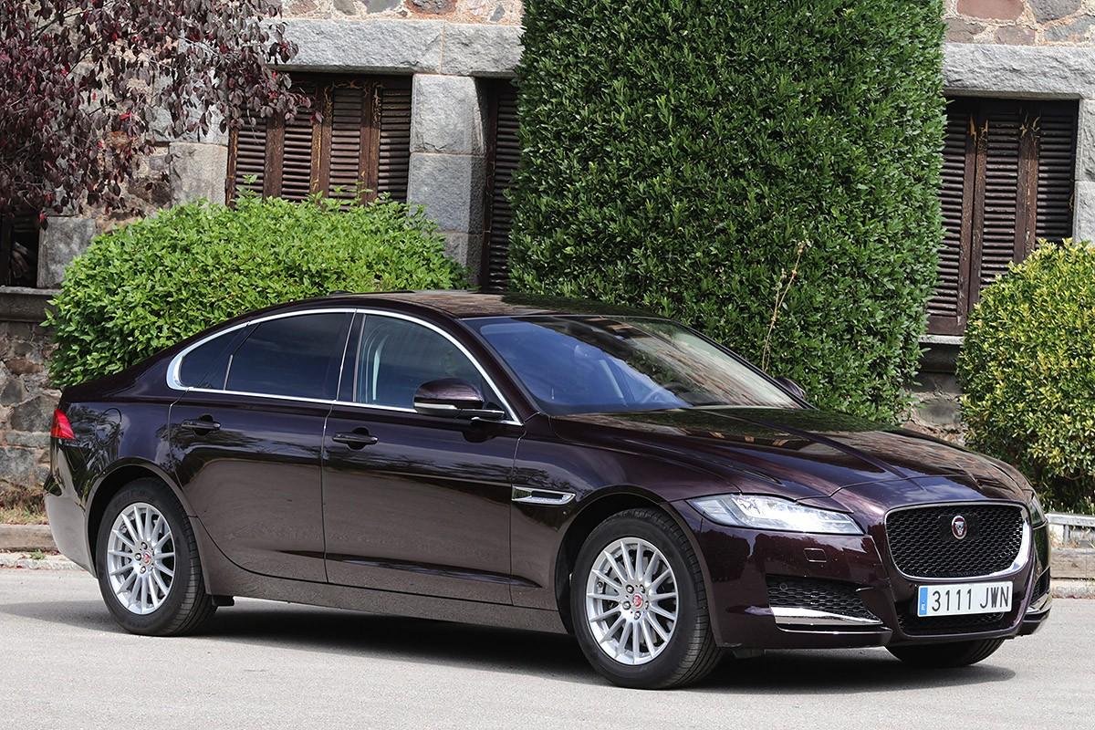 Noblesa obliga. El Jaguar XF t'ofereix tot el que esperes d'una gran berlina