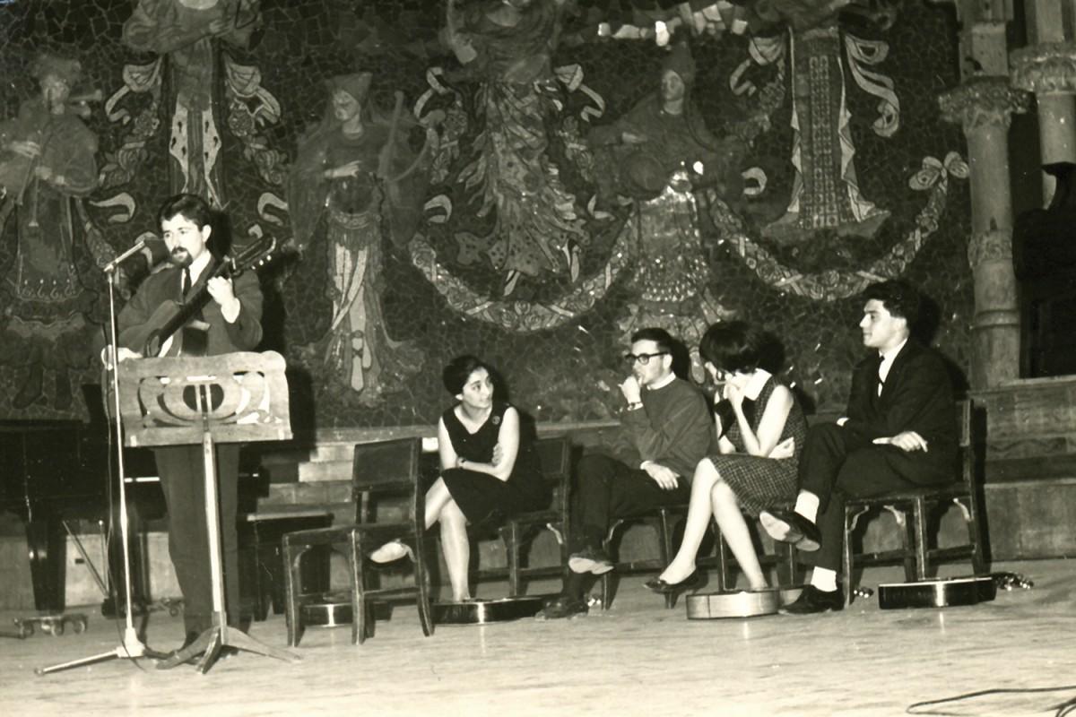 Pi de la Serra en el debut d'Els Setze Jutges al Palau de la Música Catalana
