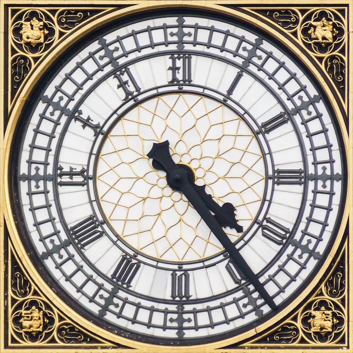 Tot i les obres de remodelació, una de les quatre cares del rellotge continuarà funcionant.