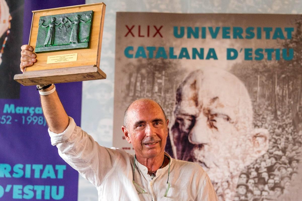 Lluís Llach rep el premi Canigó a Prada
