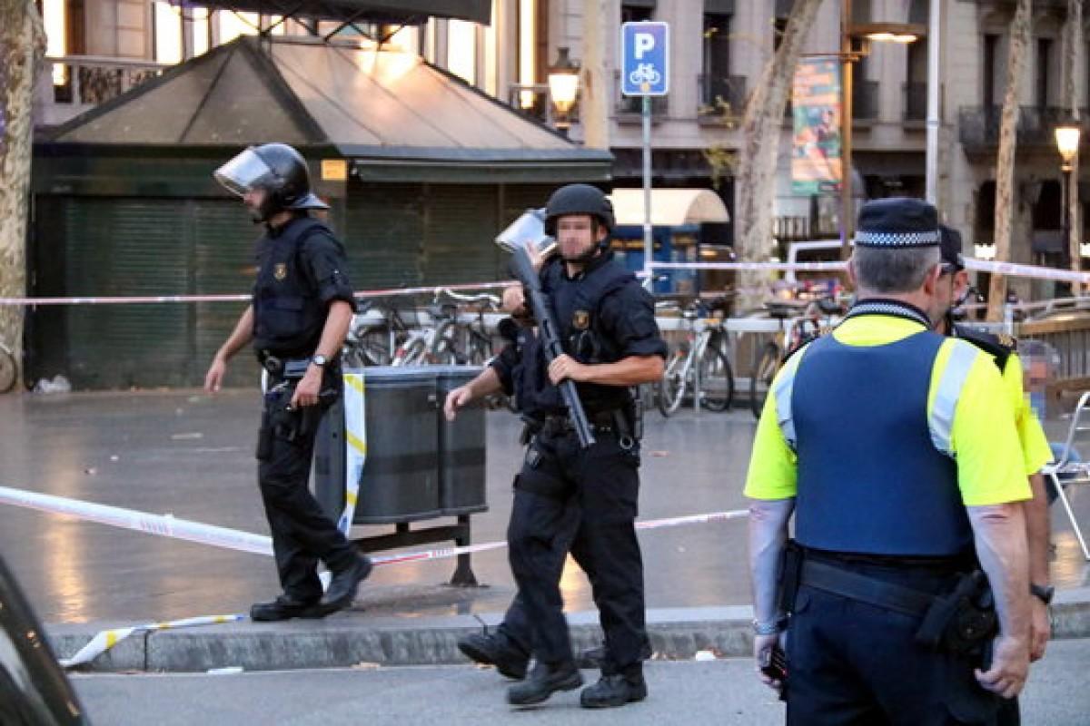Forces de seguretat a la Rambla de Barcelona el dia de l'atemptat