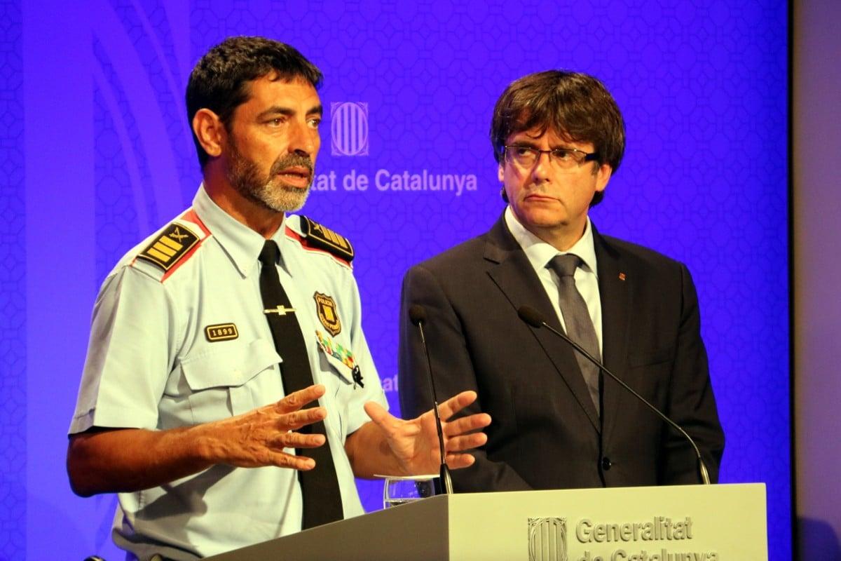 El major dels Mossos d'Esquadra, Josep Lluís Trapero, amb Carles Puigdemont