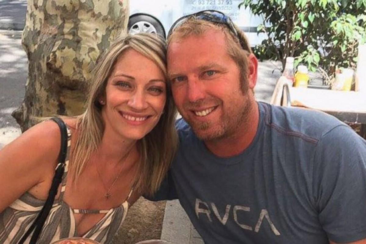 Jared Tucker, amb la seva dona, Heidi Nunes