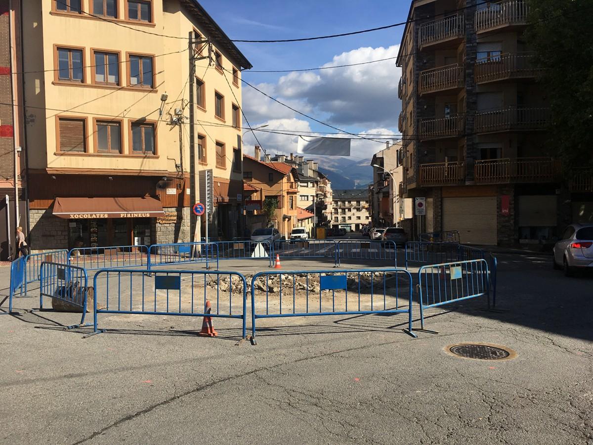 Estat de les obres de la plaça de Barcelona en una imatge d'avui dimecres