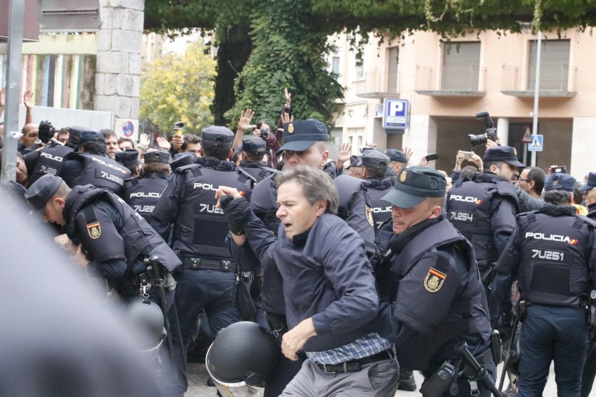 Càrregues de la policia espanyola a Girona.