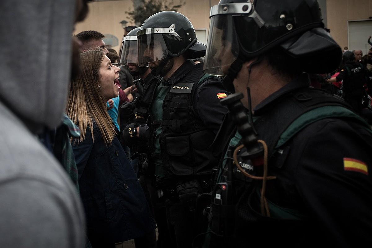 Càrregues policials a Girona durant l'1-O.