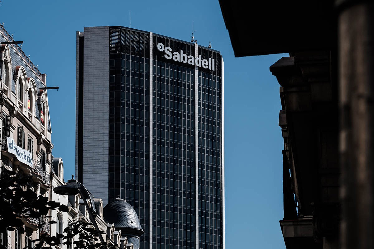 Seu central del Banc Sabadell a Barcelona.