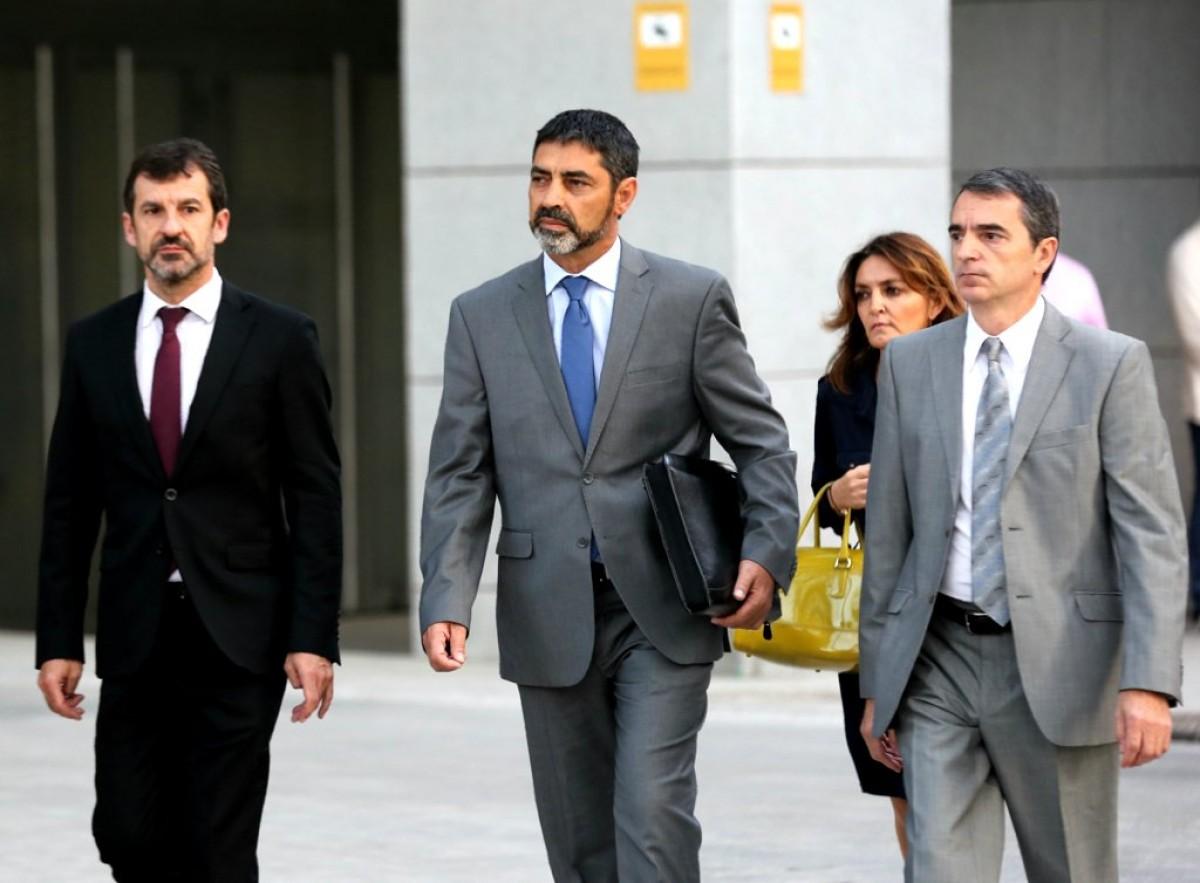 Trapero, amb Ferran López i Joan Carles Molinero, arribant a l'Audiència Nacional