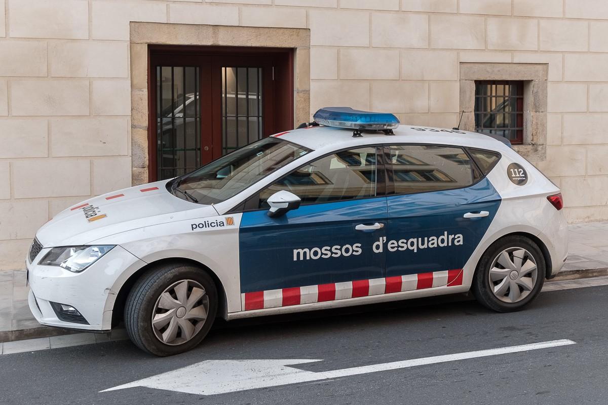 Els Mossos detenen a Barcelona un home per estafar un empresari i una joieria a la Cerdanya