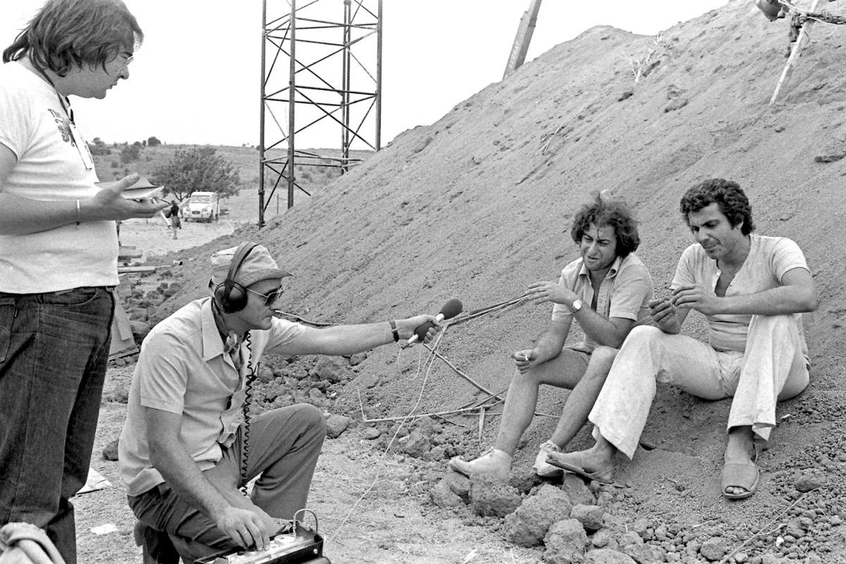 Pere Riera (en primer pla) i Dani Freixes entrevistats per Àngel Casas al primer Canet Rock l'any 1975