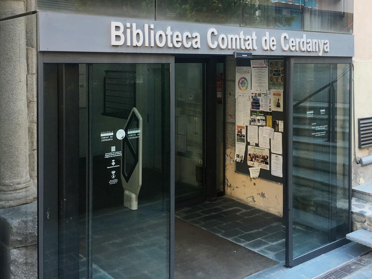 La Diputació dota la biblioteca Comtat de Cerdanya de tauletes digitals