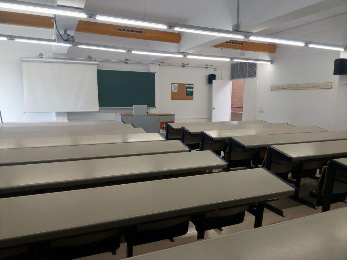 Una aula buida de la UAB