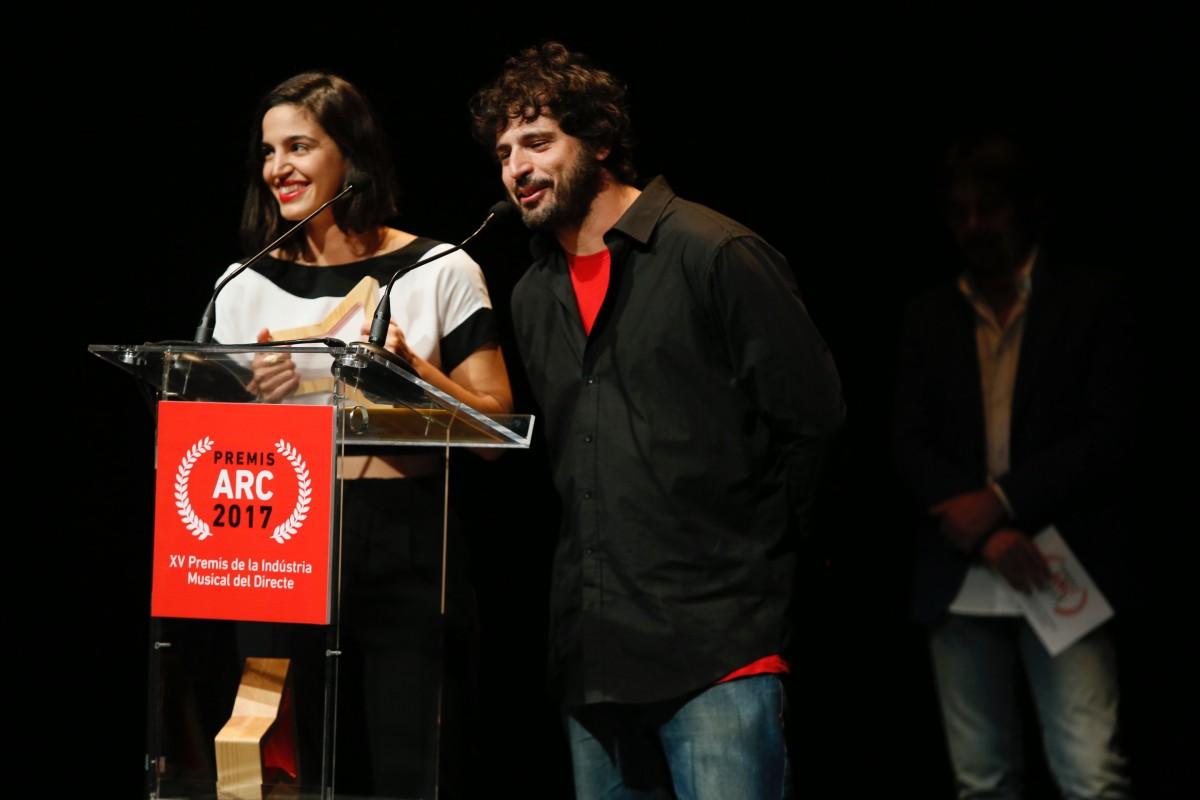 Maria Arnal i Marcel Bagés recullen el seu Premi Revelació