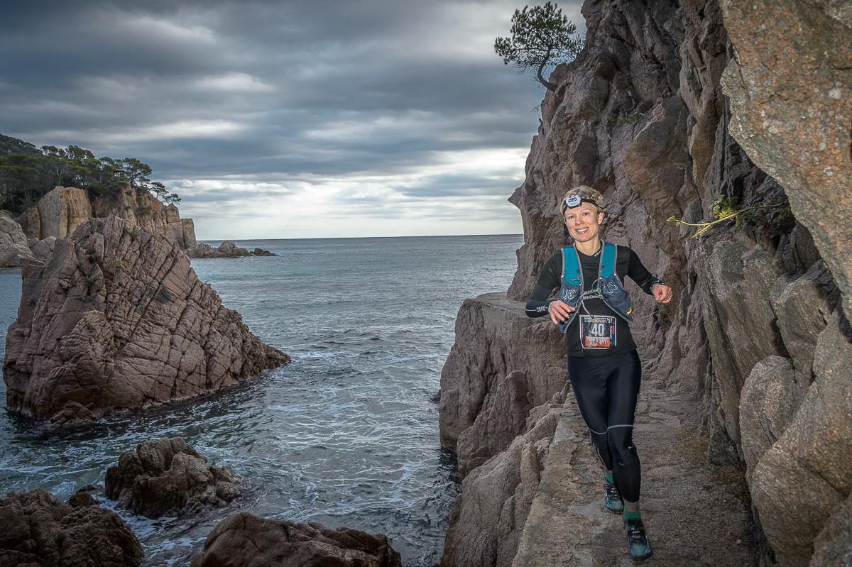 Sofie Strömberg va ser lúnica dona a l'ultra de la Marató i Mitja i va fer un meritori setè lloc a la general.
