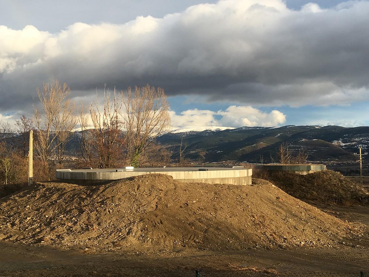 El nou dipòsit d'aigua potable ocupa les mateixes instal·lacions que el vell dipòsit