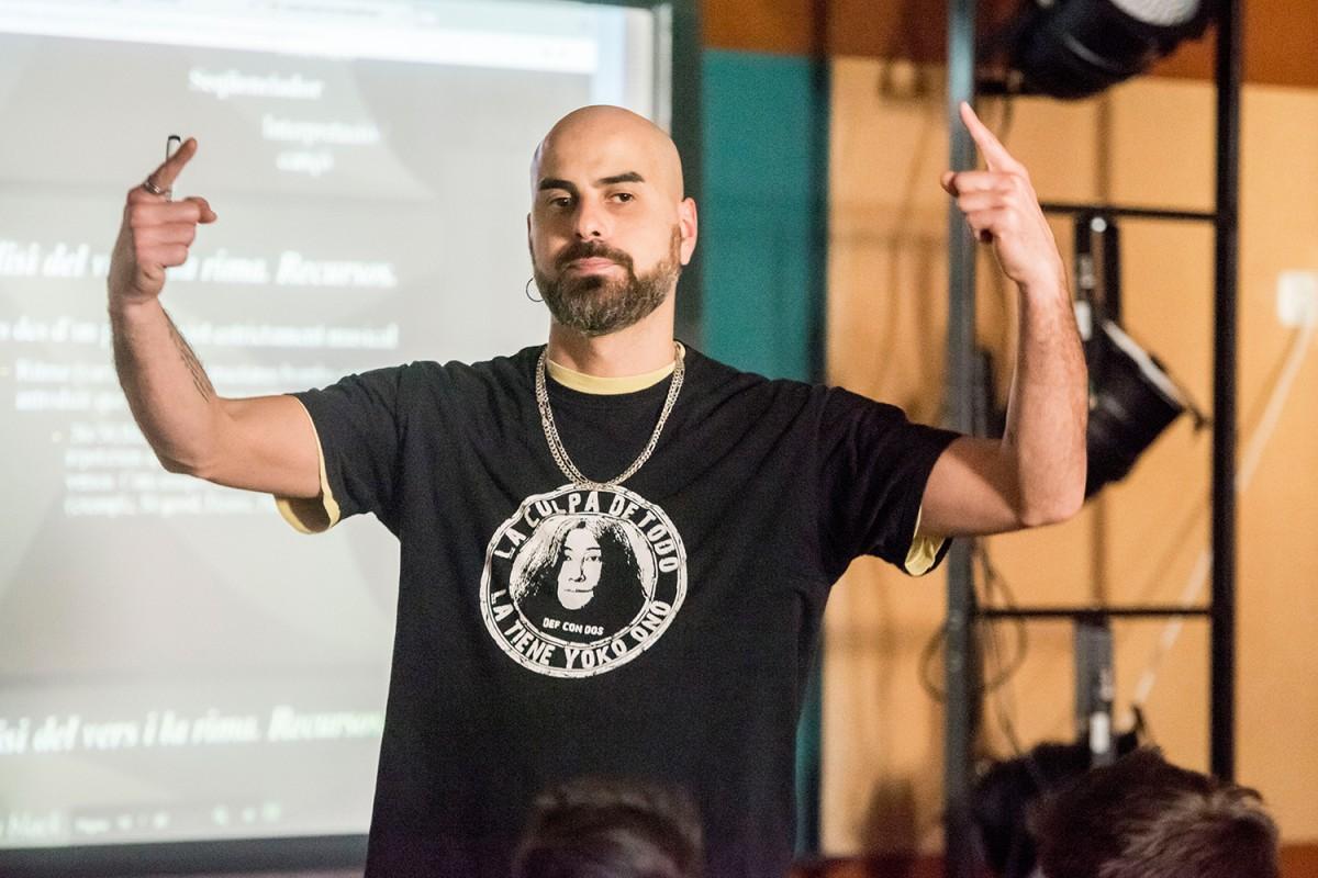 Pau Llonch a l'Institut 25a Olimpíada en el marc del cicle 'Músic del Mes'