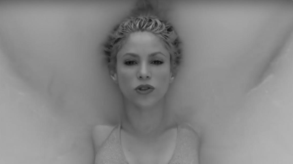 Shakira a ''Trap''