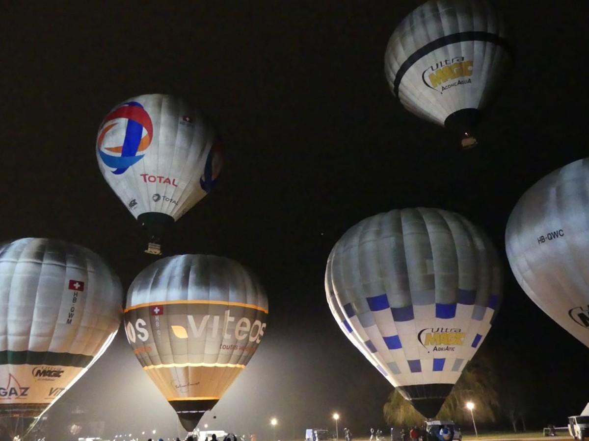 Deu globus aerostàtics volaran més de deu hores seguides en condicions extremes en la competició Balloon Concept Challenge