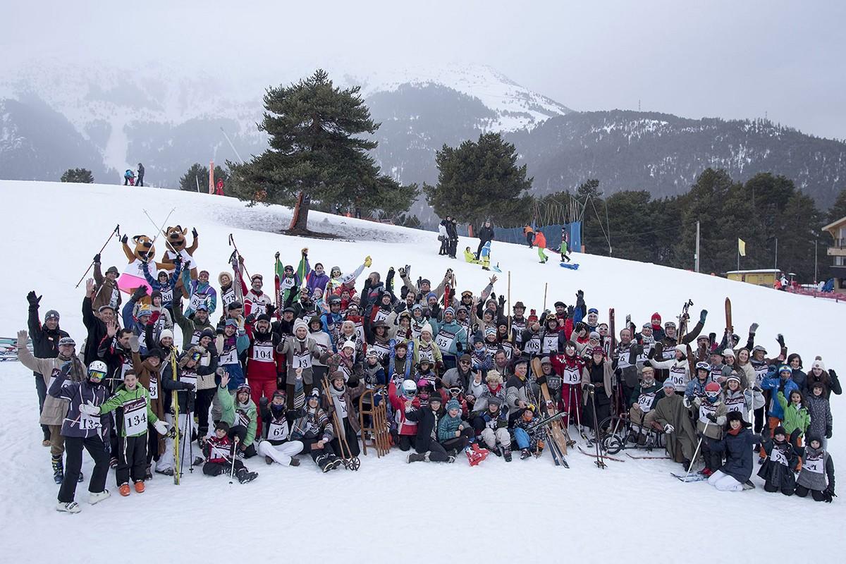 Dissabte 17 de febrer La Molina va ser l'escenari d'una cursa retro, amb 180 inscrits, i d'una baixada de torxes, amb 260 esquiadors