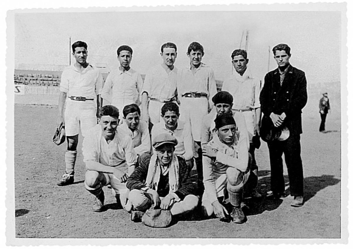 Albert Camus (porter) i els seus companys d'equip
