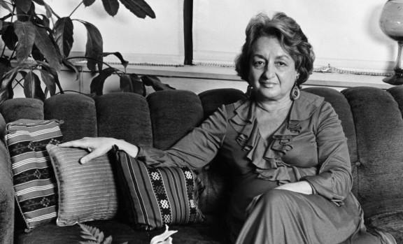 Betty Friedan: «No teniu res més a perdre que l'aspiradora»