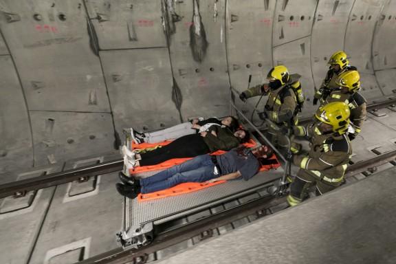 Simulacre d'incendi a l'estació dels FGC a la Creu Alta de Sabadell