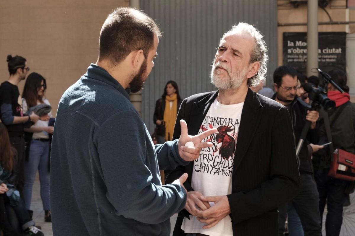 Pablo Hasel i Willy Toledo, durant un acte a favor de la llibertat d'expressió