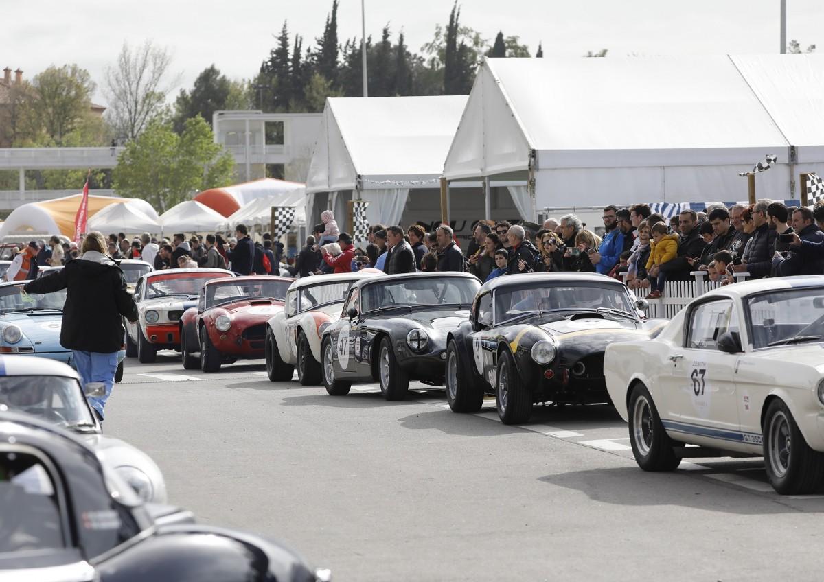 Alguns dels vehicles clàssics que s'han aplegat al Circuit