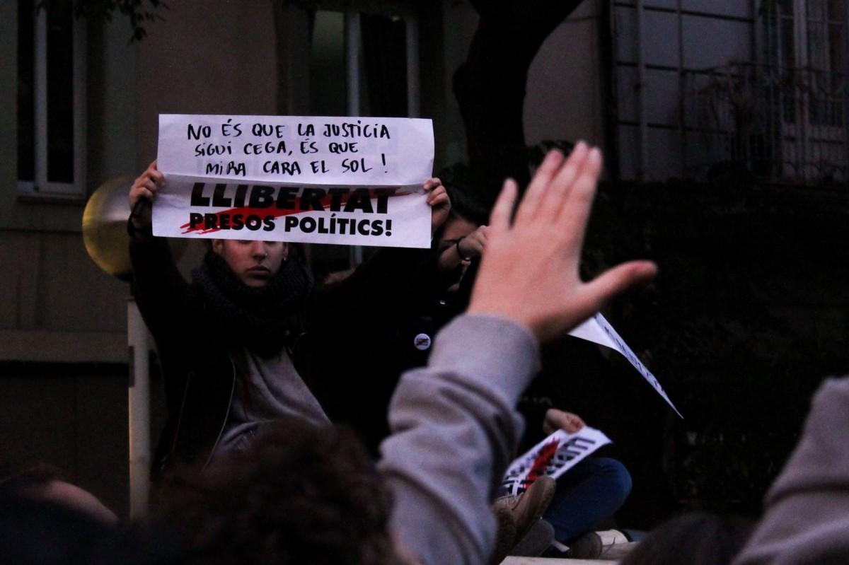 Fotografia de la manifestació del 13 de novembre per la llibertat dels presos polítics