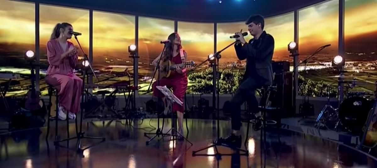 Amaia, Alfred i Judit Neddermann cantant
