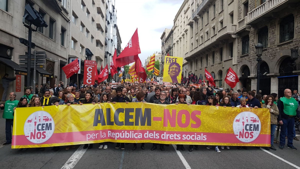 La capçalera de la manifestació independentista de l'1 de maig