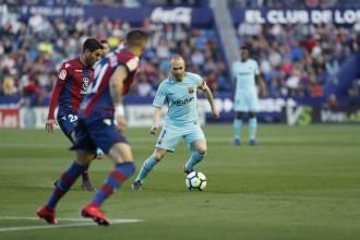 El Barça cau davant del Llevant i trenca la ratxa d'imbatibilitat (5-4)
