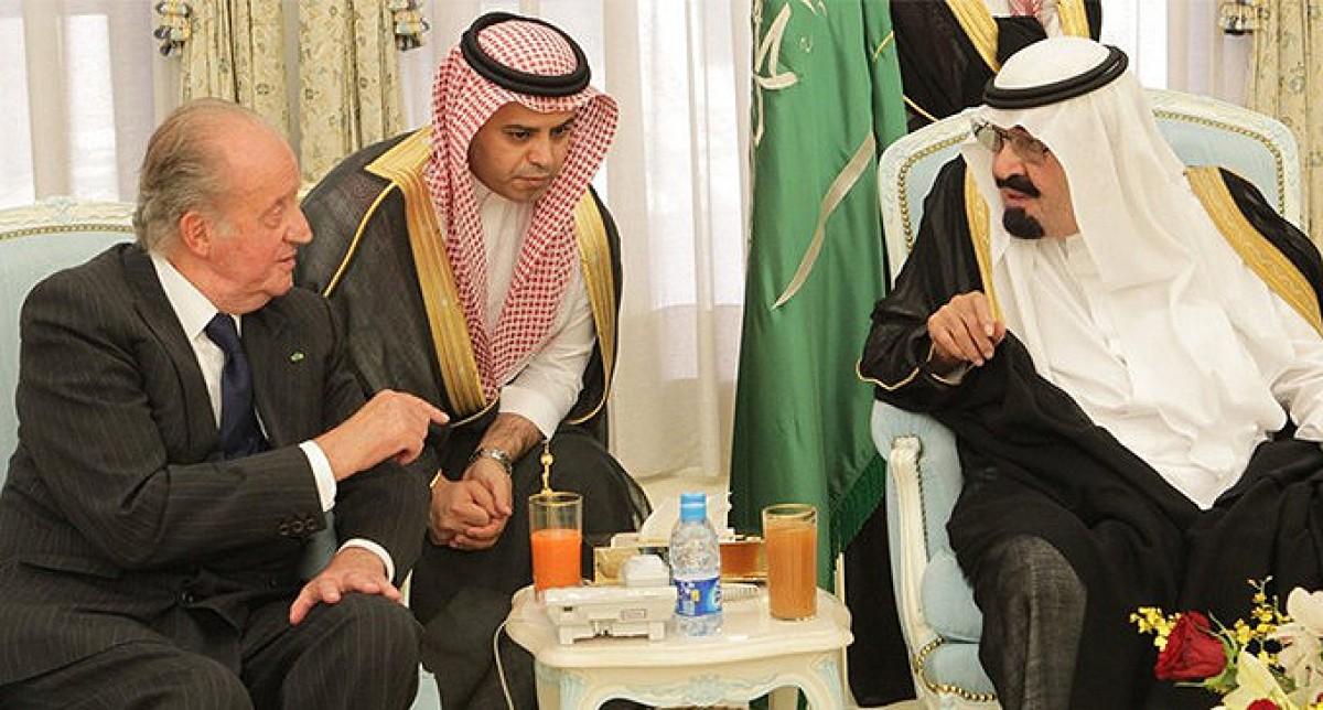 El rei emèrit Joan Carles amb el rei Abdelaziz