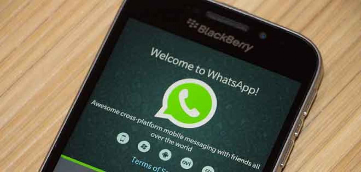 Un mòbil connectat a Whatsapp