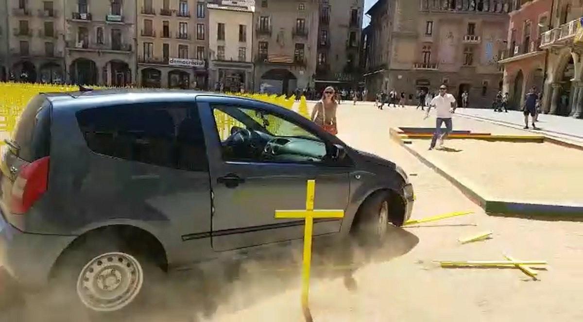 El cotxe que va protagonitzar l'atac