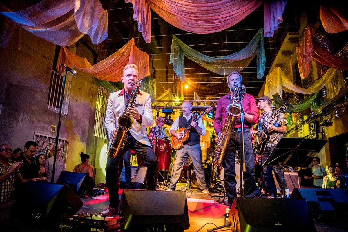 Dani Nel·lo i los Saxofonistas Salvajes a les Festes de Gràcia